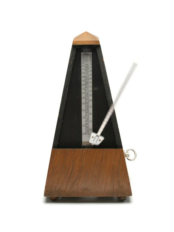 metronome-1421559-1919x2546