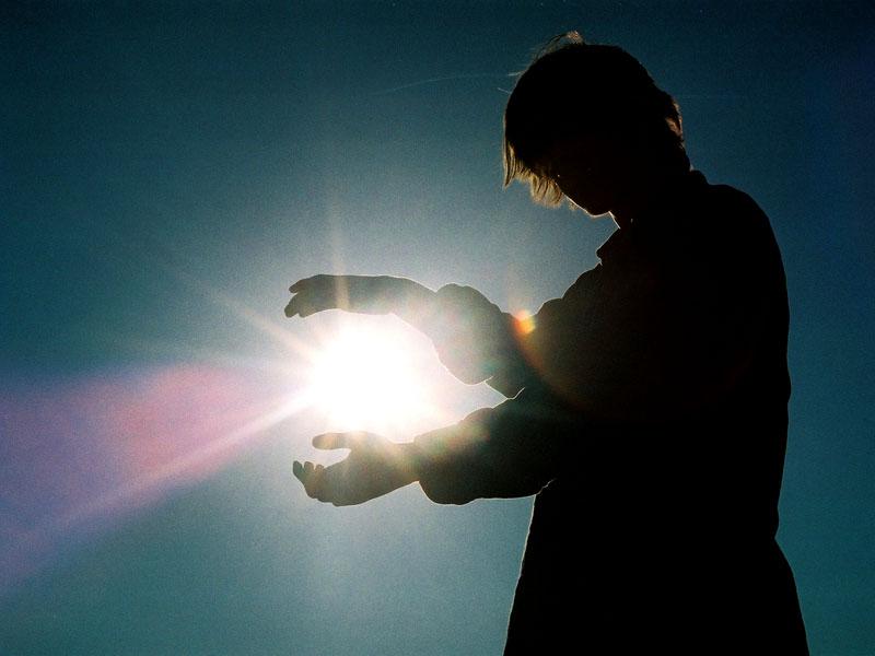 holding-the-sun-1543827