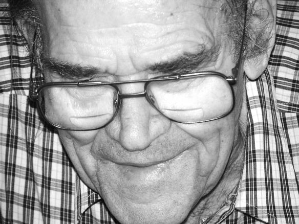 elderly-man-wearing-glasses-1436744