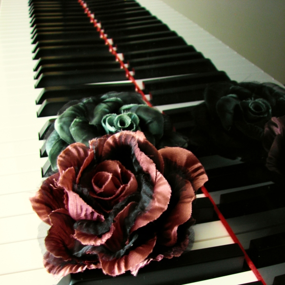 roses-on-my-grand-piano-1310847