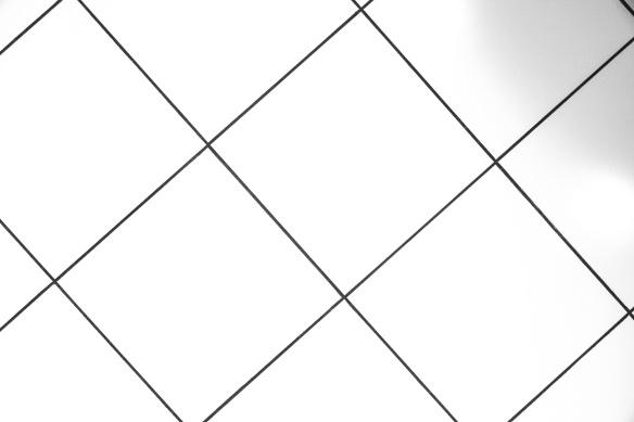 white-tiles-1478880858kdo